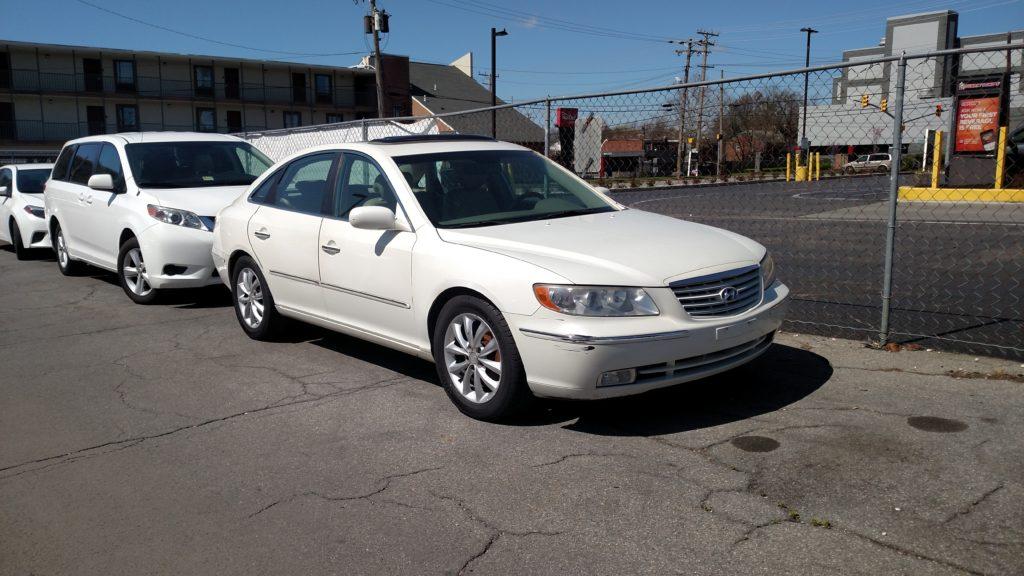 2006 Hyundai Azera Limited  $4900 / $ 4,900.00 / 118,507 Miles / White