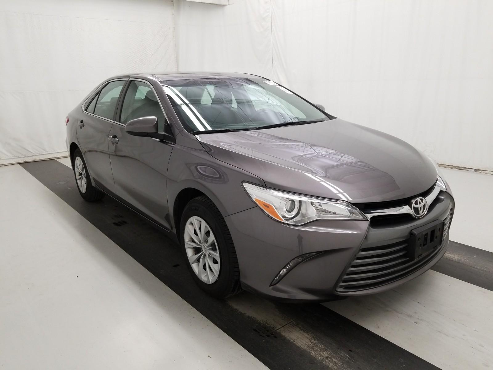 2016 Toyota Camry LE 28,600 MILES! $14,900